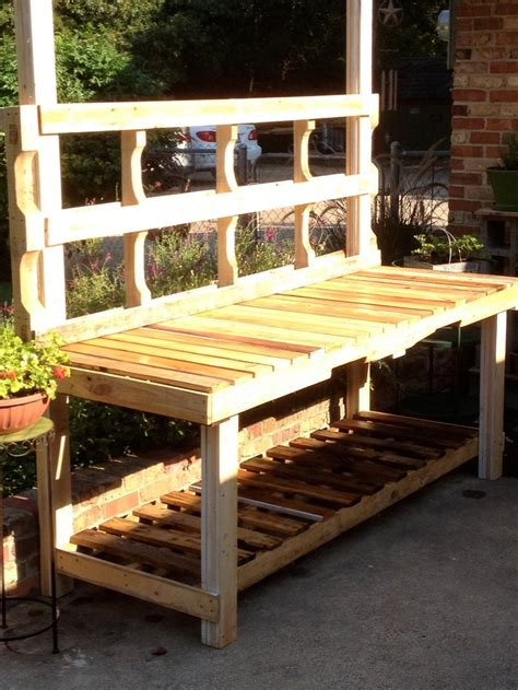 bench out of pallets potting bench out of pallets potting bench pinterest