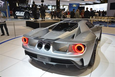 2017 ford gt 700hp 2017 ford gt will reportedly pack at least 700hp