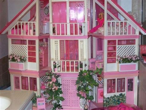 biggest barbie doll house 27 objetos de barbie con los que te hubiera encantado