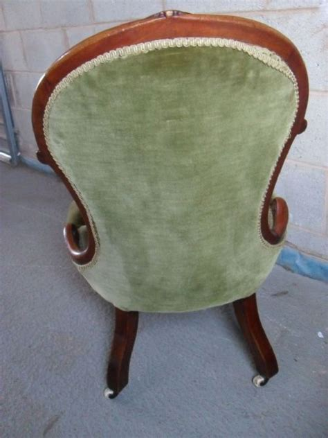 Superb Mahogany Antique Spoon Back Superb Mahogany Button Upholstered Spoon Back Nursing Chair 177946 Sellingantiques