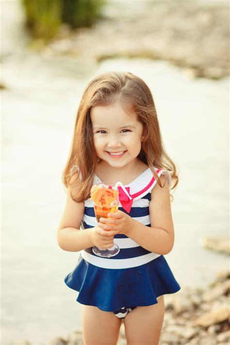 bikni imej now that s a little girl s bathing suit kiddos