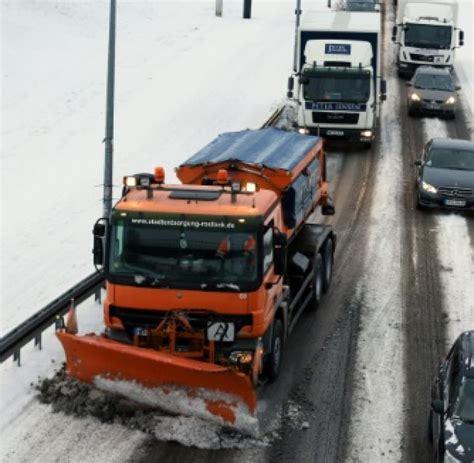 Polizei Sticker Heilbronn by Unf 228 Lle Neun Fahrzeuge Kollidieren Bei Glatteis Nahe