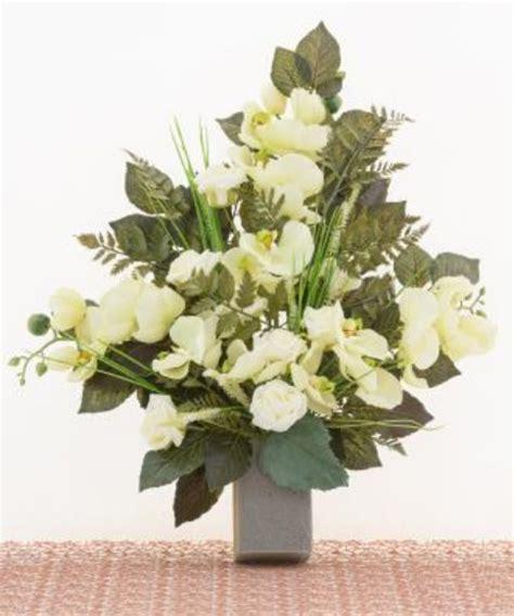 fiori per cimitero mazzo di fiori artificiali per loculo con orchidea e