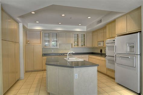 gathering space  family  modern kitchen