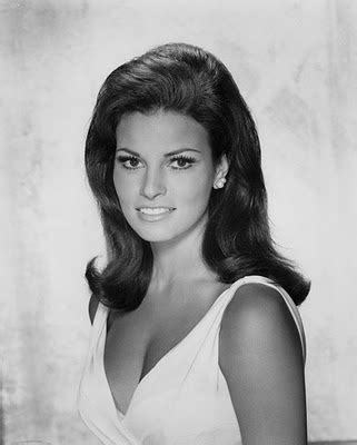 raquel welch famous poster 45 best images about raquel welch on pinterest curvy