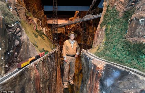 model train layout new jersey this is the world s largest model railroad with eight