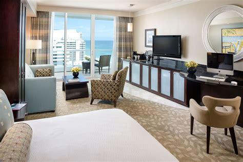 tresor one bedroom suite fontainebleau tresor oceanview one bedroom suite fontainebleau