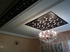faux plafond en bois marocain decoration plafond