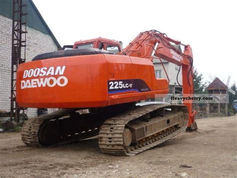daewoo doosan 225lc v 2005 caterpillar digger construction