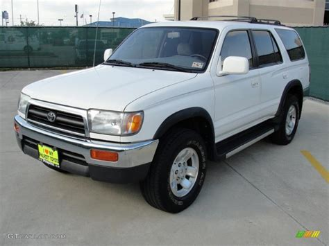 1998 Toyota 4 Runner White 1998 Toyota 4runner Sr5 Exterior Photo 38762536