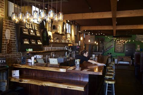 oregon public house ne dekum pub crawl by bus oregonlive com