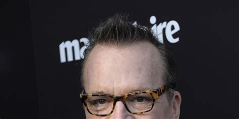 tom arnold psych psych casts tom arnold as paranormal police consultant