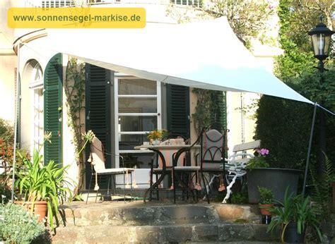 Regenschutz Im Garten Sonnensegel Markise