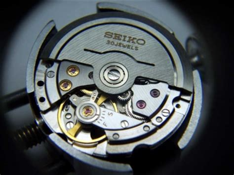Seiko Automatic Cal 7025 the seiko calibre 8306a the spot