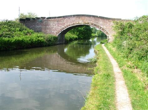 grange canal bridgewater canal acton grange bridge bridge 8