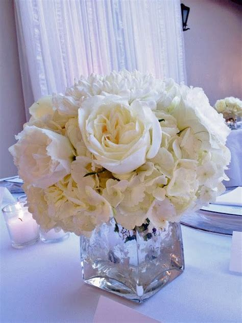 white roses centerpieces for weddings 25 best ideas about white centerpieces on
