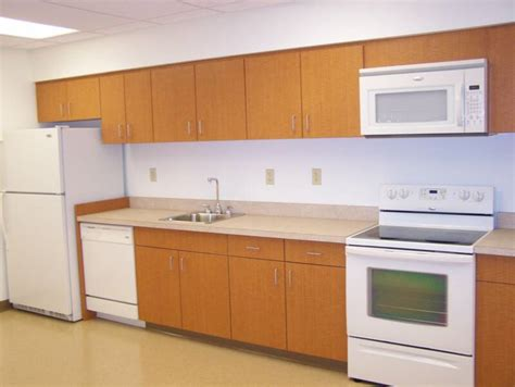 laminated kitchen cabinets laminate kitchen cabinets