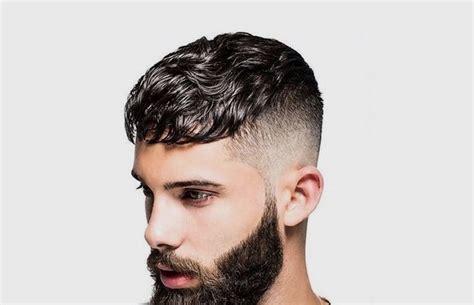 model potongan rambut  pria keriting