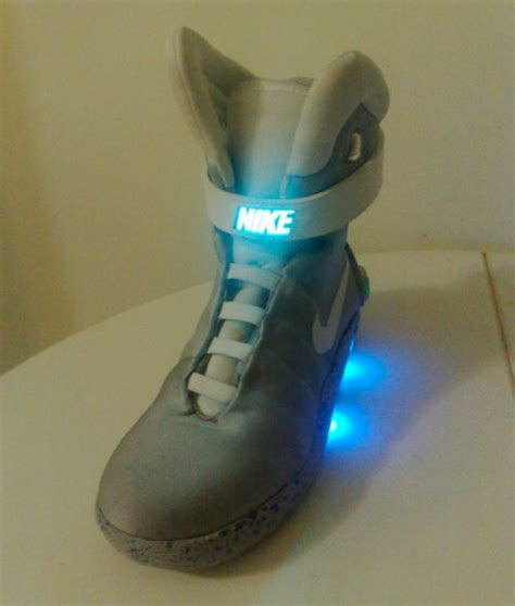 diy light up shoes makes his own light up nike mags still no power laces
