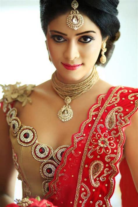 homecoming hairstyles sri lanka dressed dress disign by chi siriwardana sri lanka