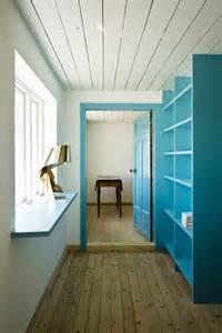 contemporary farmhouse interior design splashed up with