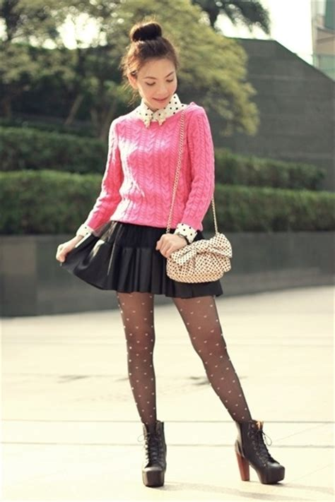 Obsession Nicky Hearts Pink And Black by Reed Striped Tops And Pink Heels On
