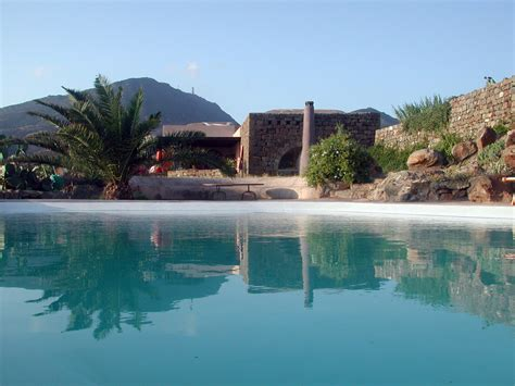 casa vacanze pantelleria dammusi in affitto a pantelleria ildammuso