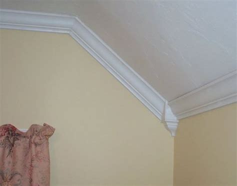 Crown Molding On Angled Ceiling by Details About 4 Pack Vaulted Cathedral Crown Molding