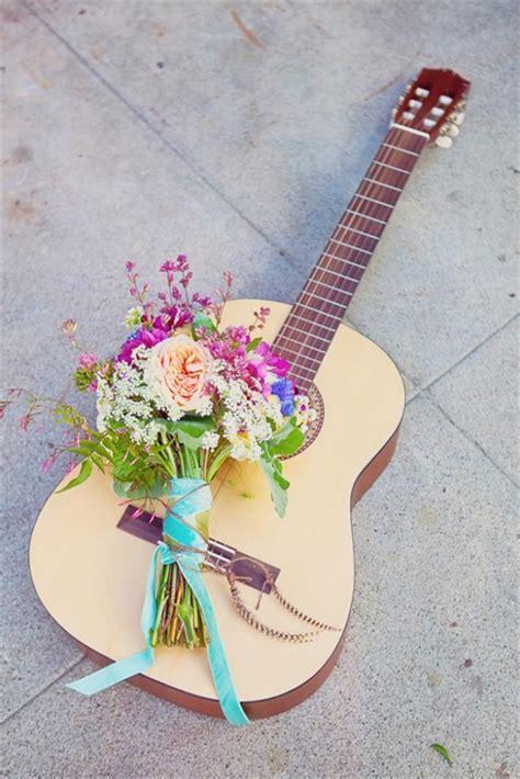 15 DIY Old Guitar Ideas   DIY to Make