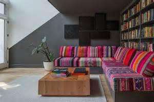 decora tu sal 243 n con sof 225 s de colores malatinta magazine