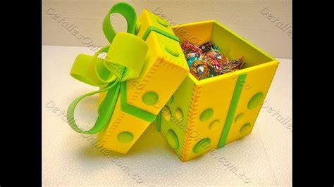 caja de regalo hecha de foami caja de goma eva para regalo manualidades en goma eva y
