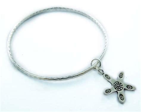 Handmade Silver Bangles Uk - be6601 handmade look bangle with starfish charm smile