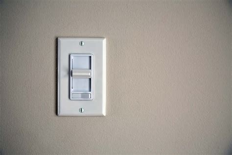 Dimmer Switch For Led Light Bulbs Do Dimmer Switches Work With Cfl And Led Lights Carolina Country
