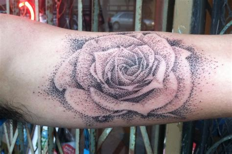 pointillism tattoo brucius pointillism floral tattoos