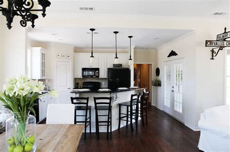 magnolia villas waco tx chip joanna gaines fixer upper google search home