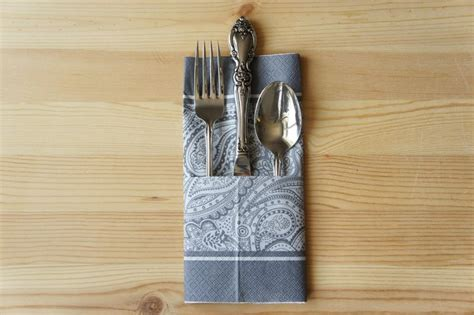 Paper Napkin Folding With Silverware - 28 best images about servilletas para navidad on