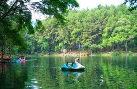 tempat wisata di cirebon nan memikat klikhotel com 20 tempat wisata di cirebon paling populer yang wajib