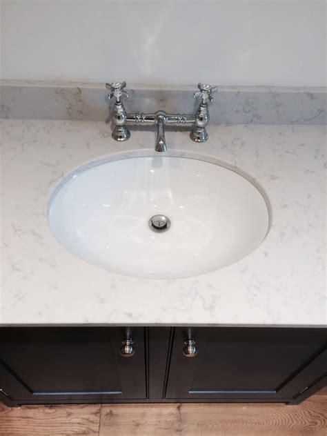 duravit santosa undercounter vanity basin   mm white