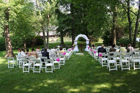 Backyard Wedding Locations by Small Backyard Wedding Ceremony Ideas Siudy Net