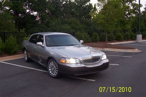 blue book value used cars 2004 lincoln town car electronic throttle control fluffylilwyvern 2004 lincoln town carsignature sedan 4d specs photos modification info at