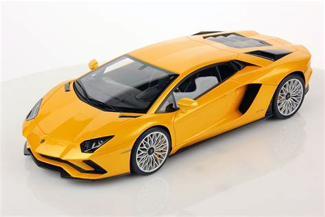 lamborghini avantedor lamborghini aventador s 1 18 mr collection models