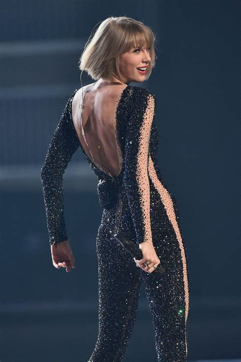 taylor swift and grammys taylor swift performs at grammy awards 2016 in los angeles ca