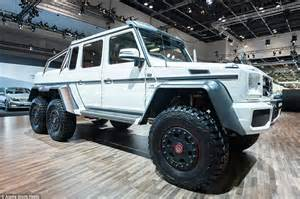 mercedes 6 wheel land rover defender challenged kahn designs 6 wheel