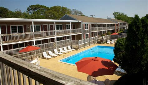 cape cod hotels cape cod hotels on the hill inn and suites