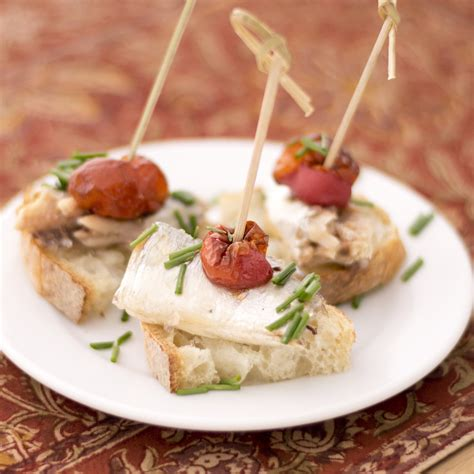 easy  minute spanish appetizers   pintxo party donostia foods
