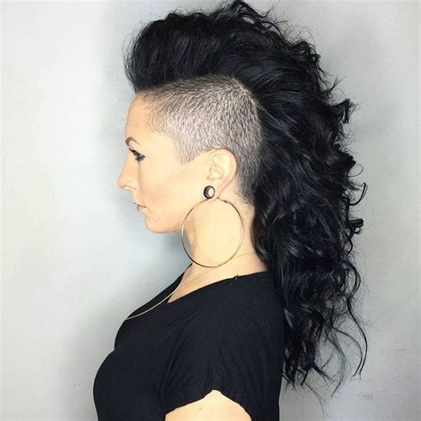 mohawk hair long in the front best 25 curly mohawk hairstyles ideas only on pinterest