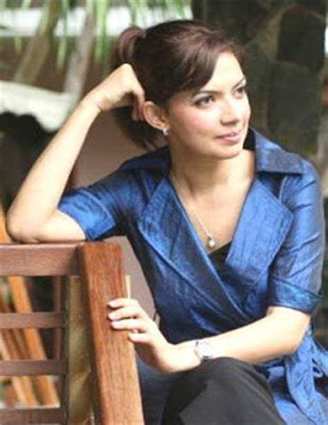 biography najwa shihab in english najwa shihab presenter metro tv berpengalaman