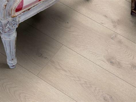 pavimenti in laminato effetto legno pavimento in laminato effetto legno rovere moderno grigio