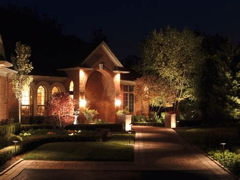 Outdoor Lighting Vancouver Four Styles Of Landscape Lighting Outdoor Landscaping Lights