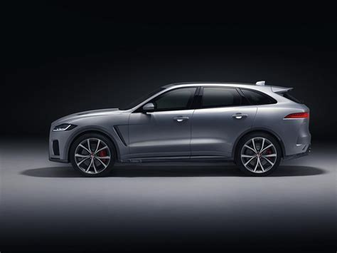 Jaguar 2019 F Pace by 2019 Jaguar F Pace Svr Unveiled With 550 Horsepower